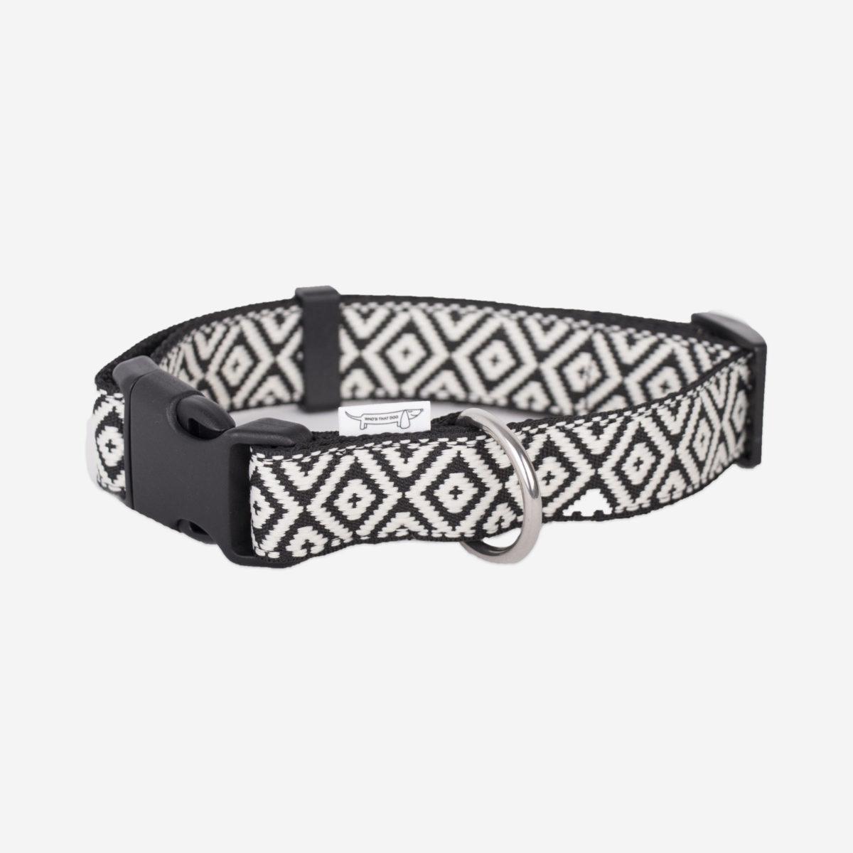 collier pour chien noir et blanc